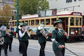 Bendigo Tramways Anzac Centenary Tram in Parade